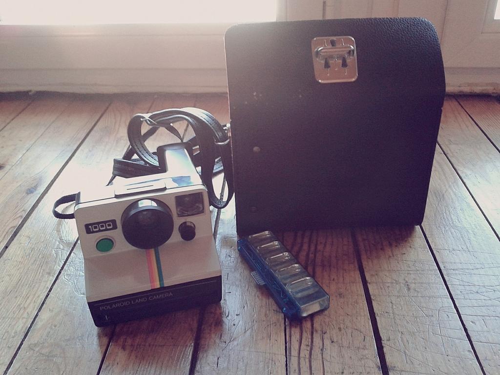 comment marche un polaroid 1000